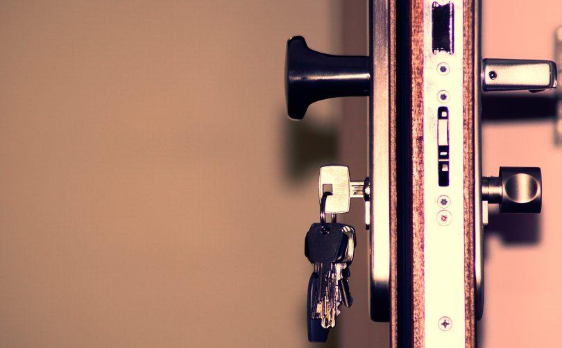 house key door lock