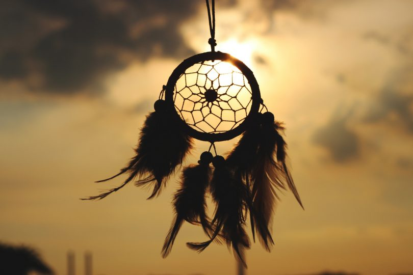 Silhouette-of-Feather-Dreamcatcher