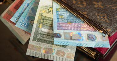cash louis veton wallet